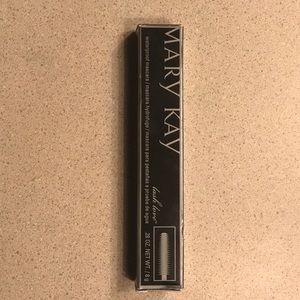 Marykay waterproof lash love mascara. (NWT)